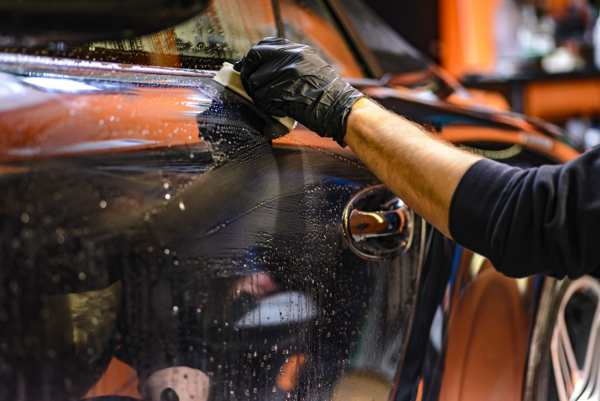 wax and polish car