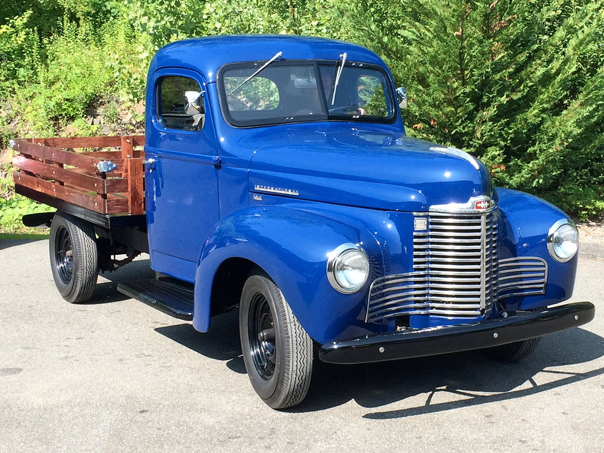 1947 Ford KB2